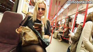 Погоня за блондинкой в колготках и тайная съемка ее ножек