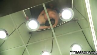 Культурист трахает девушку в лифте вместо утренней пробежки