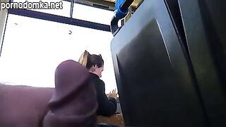 Студентка испугалась, увидев онаниста с маленьким членом