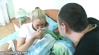 Он дал своей сестре снотворное и трахнул, пока она спала