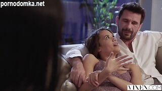 Молодая актриса занимается безумно страстным сексом - Sadie Blake