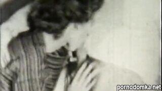 Винтажный хардкор 1953 - отрывок из порно ролика