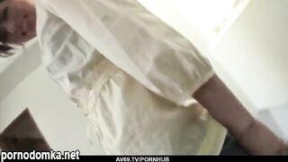 Азиатка насадила волосатую пизду на крепкий стояк мужика