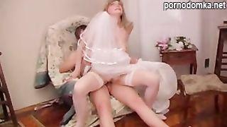 Жених ебет опытную невесту перед свадьбой
