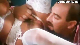 Главврач соблазнил медсестричку куни и анилингусом перед еблей в пиздень и анал